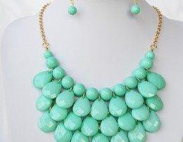 Mixed color Women Bubble Bib Statement Fashion Necklace
